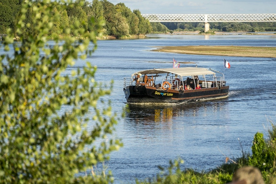 Lanzadera del río Saumur / Montsoreau